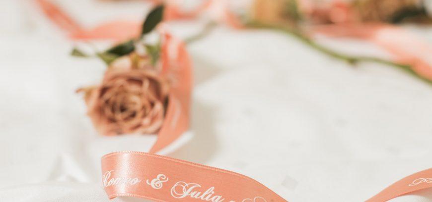 Individuelle Tischdekoration für die Hochzeit